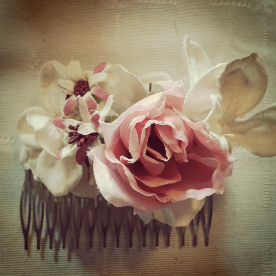 peineta con flores agurital