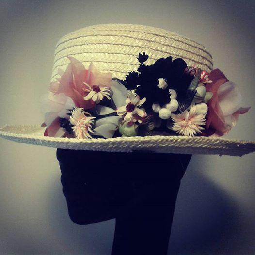 chistera con flores artesanales