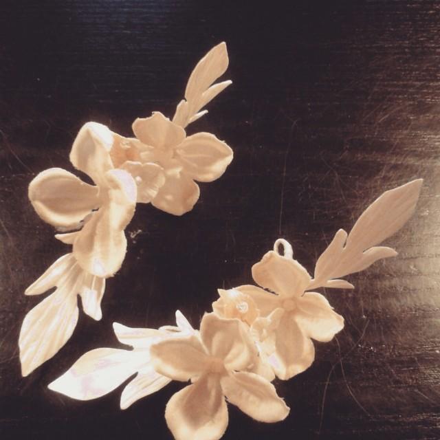 Hojas y Flores de porcelana