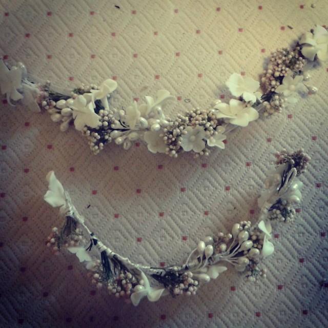 Tiara y cinto flores de porcelana